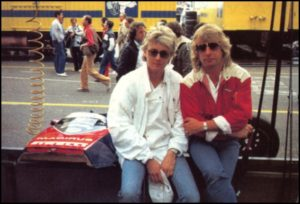 Roger Taylor i Rick Parfitt na wyścigach F1
